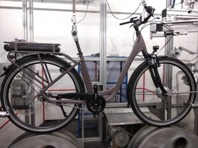 E-bikes, bicycles, accessories